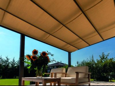 Gut geschützt, doppelt genießen – Terrassenüberdachungen halten Hitze und Niederschlag ab